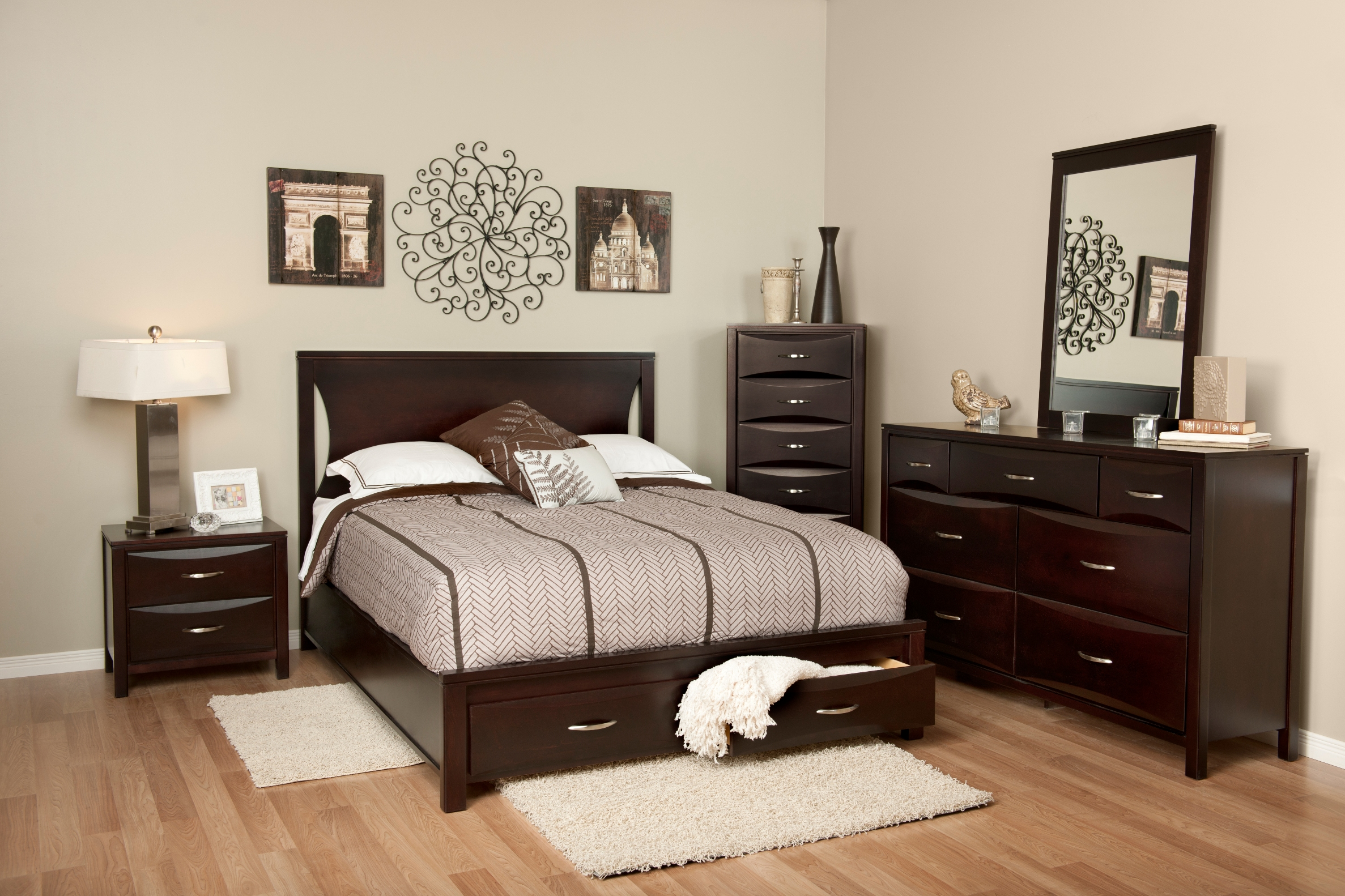 Pleasing Bedroom Furniture Sets Store Masterbedroom Inc Home Interior And Landscaping Eliaenasavecom